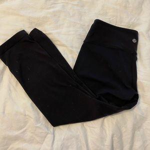 Black cropped lulu lemon leggings, size 6